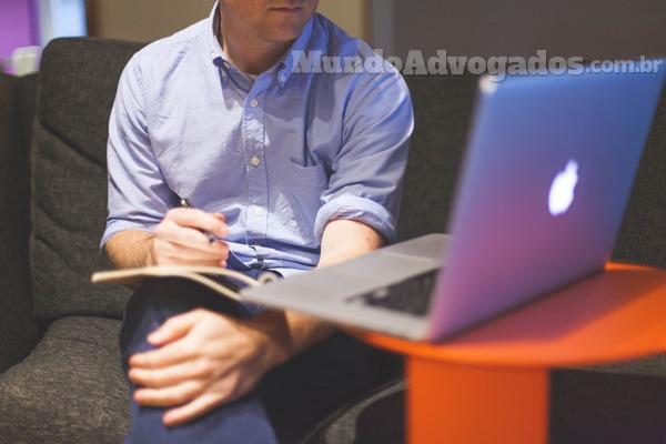 Que serviços pode oferecer um advogado online?