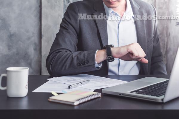 O que diz a lei trabalhista sobre as horas extras